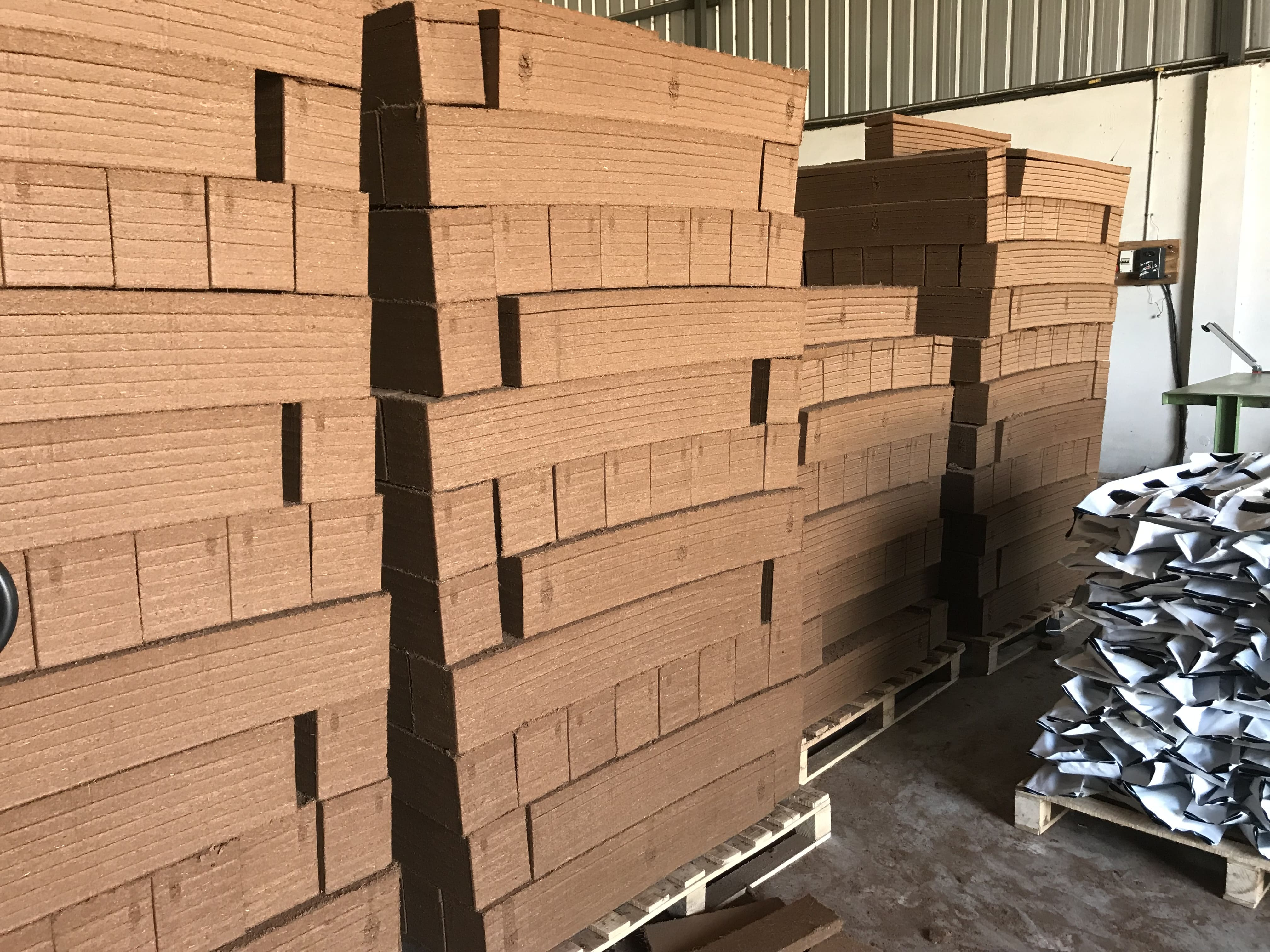 Factory Direct Supplier of 100% Organic Coconut Coir, Coco